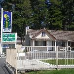 Photo of Pinewood Inn