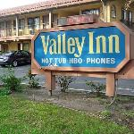 ‪Valley Inn‬
