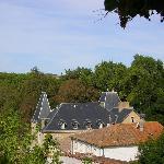 les toits vus du jardin de la vierge