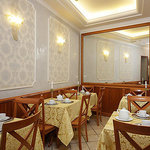 Hotel Golden Rome breakfast room