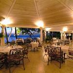 Photo de Settlers Beach Villa Hotel