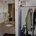 Combination entrance/sink