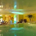 SPA-Bereich mit beheiztem Pool mit Gegenstromanlage, Sauna, Dampfbad, Tepidarium, Wellnessdusche