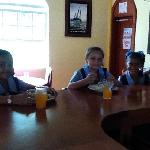 wendys daugther and friends having lunch.