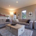 House- Lounge