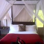 Very comfortable tented bungalow!