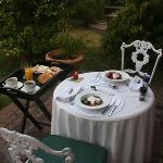 Frühstück vor dem eigenen Zimmer