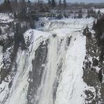 chute de Montmorency en hiver