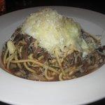 Spaghetti w/ beef cheeks, wild mushrooms & poached egg