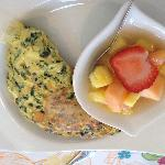 Spinach and Brie Omlette with Fresh Fruit