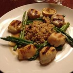Scallops with asparagus and pasta pearls