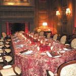 Le salon Louis XIII, dressé