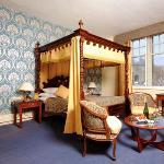 牛津皇家列王紋章酒店