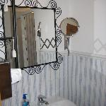 Málaga Lodge - nice and clean commun bathroom