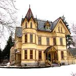 Annandale House Winter