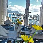 Breakfast room - Fresh flowers on the Tables!