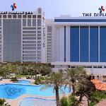 디플로맷 래디슨 블루 호텔, 레지던스 & 스파