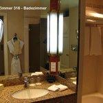 Zimmer 316 - Badezimmer