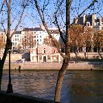 View from the island - Quai d'Anjou side