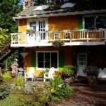 La Petit Maison from the front
