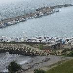 Estacionamento para as lanchas e fazer bons passeios pelo mar