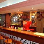 L'hôtel Helios - Le Bar à L'intérieur