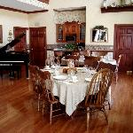 Spacious dining area for home-style breakfasts.