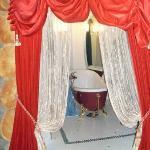 Queen suite - amazing bathroom!