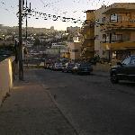 Calle Prat, desde la puerta del Hotel.