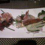 Gambersi scottati con gelatina di ponzu Capesante scottate e zucchine con crema di yuzu senape e
