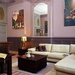 2BR - Johannes Vermeer apartment