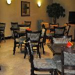 Comfort Suites UCF/Research Park: Breakfast Area (View 2)