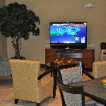 Comfort Suites UCF/Research Park: Breakfast Lounging Nook (View 2)