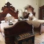 Notre grande chambre antique