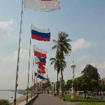 A brisk wind over Sisowath Quay