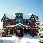 Bozeman is in a winter wonderland - skiing, Yellowstone, hot springs, shopping, restaurants.....