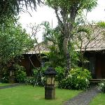 Hotel Santika : Rooms surrounded by beautiful gardens