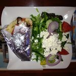 Gyro w/ Greek salad lunch special
