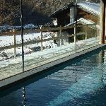 La piscina con vista neve!