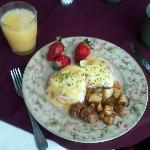 Eggs Benedict - yum!