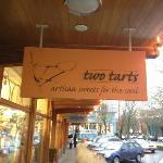 Two Tarts Bakery resmi