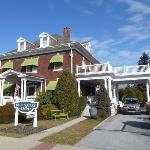 Olde Square Inn