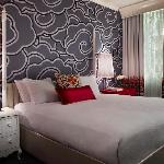 189 newly renovated guest rooms & suites
