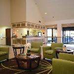 Lobby - Comfort Suites Chesapeake