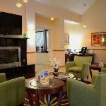 Lobby Seating - Comfort Inn Chesapeake