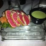 starter: seared ahi tuna