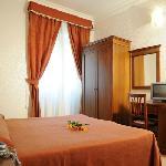 Photo de Hotel Luciani