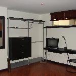 Budget full furnished studios / Apartaestudios económicos y completamente equipados