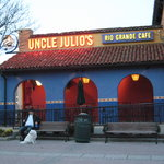 Uncle Julio's Grande Cafe sign