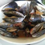 Steamed mussels with Provencal sauce